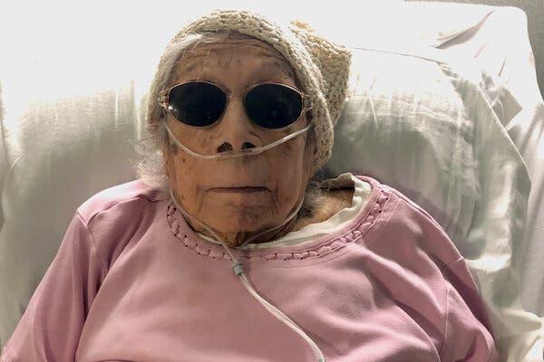 Lucia DeClerck a été testée positive pour le virus le jour de son 105e anniversaire, un jour après son deuxième vaccin.
